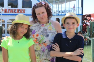 Tabatha and Xavier with their mother, Sabrina.